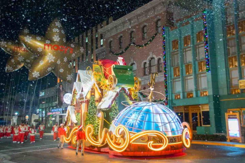 Holidays at Universal Orlando Resorts Macys Parade