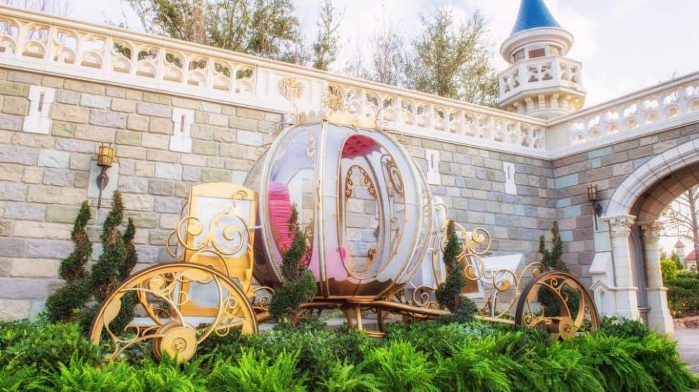 cinderellas coach photo op magic kingdom 1024x681 990x556 1