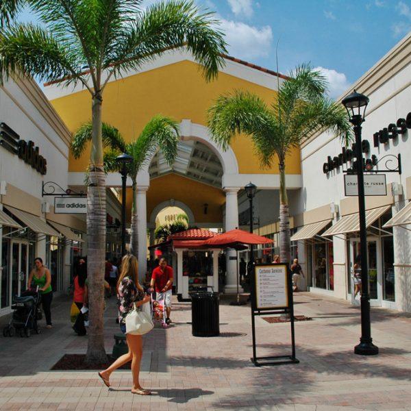 Orlando Premium Outlets panoramio 5
